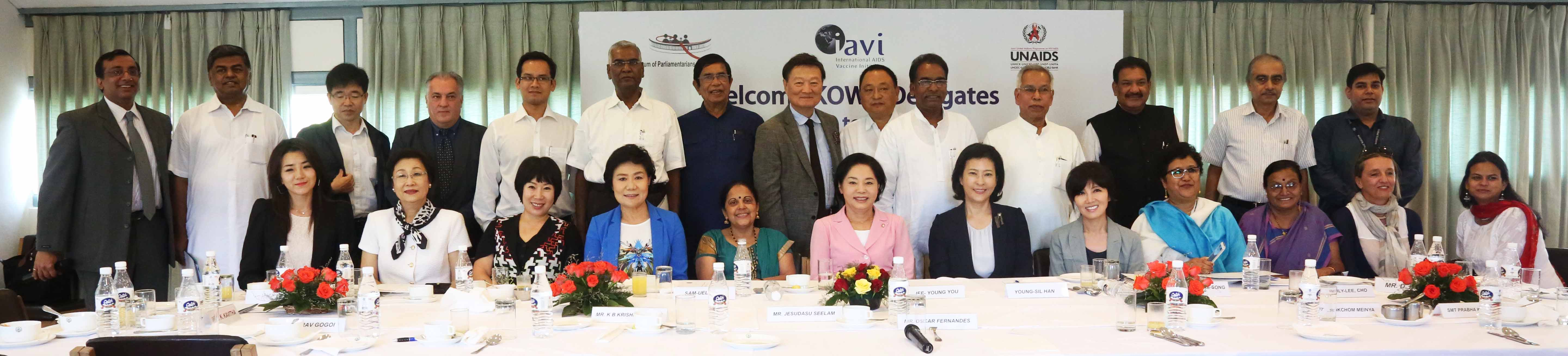 Members of Korean Women against AIDS (KOWA) met with senior government officials and scientists on their first official visit to India coordinated by IAVI and UNAIDS.